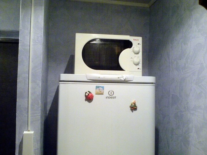 Тандем холодильника с микроволновой печью