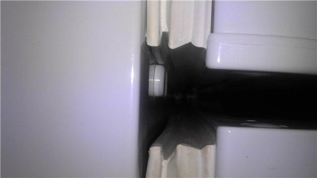 Обращайте внимание на состояние уплотнителя дверцы холодильника