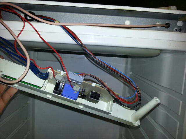 Электронная управляющая плата холодильника