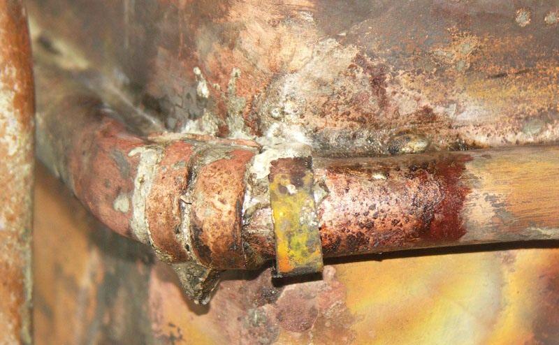 Свищ теплообменника газовой колонки
