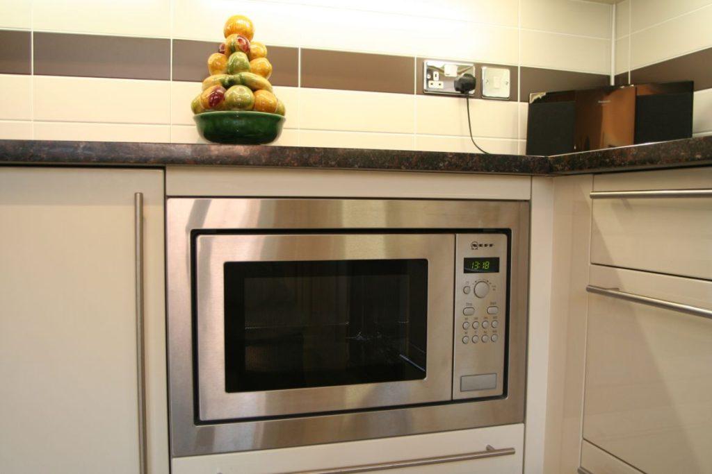СВЧ в кухонном гарнитуре