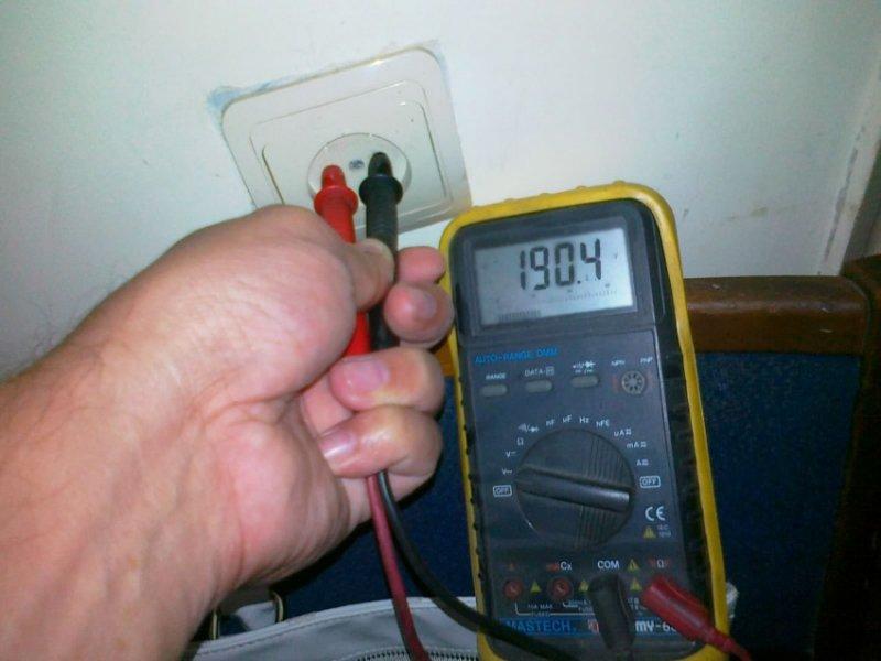 Проверка напряжения в электросети