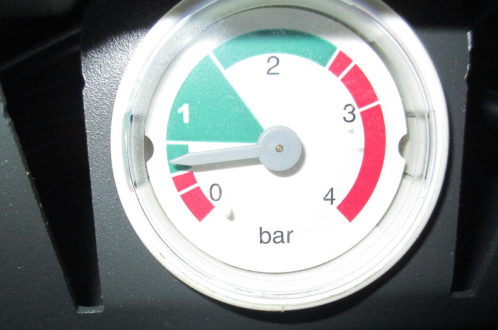Манометр для индикации давления в котле