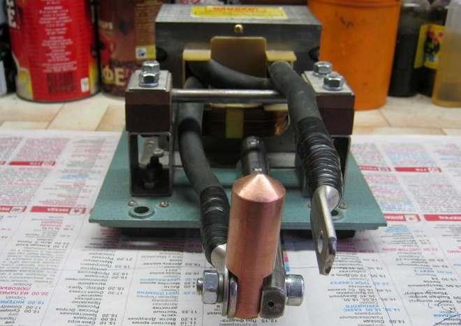 Крепление электродов болтовым соединением