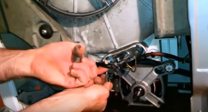Демонтаж мотора