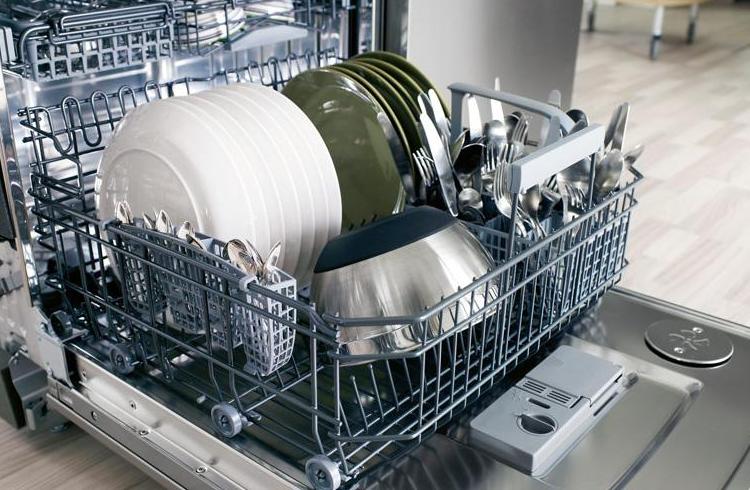 Вариант правильной загрузки посуды в ПММ