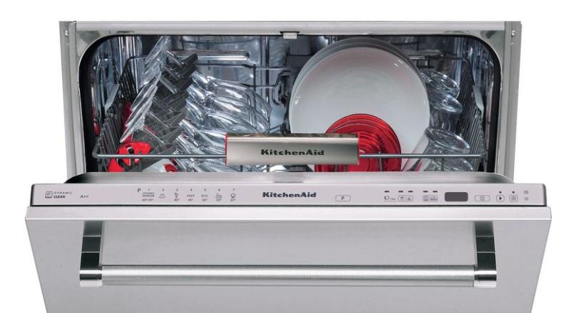 KitchenAid KDSCM 82142 самая вместительная ПММ бренда