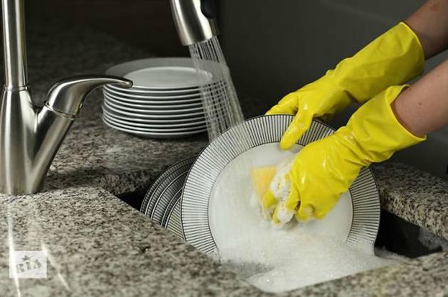 Ручное мытье посуды