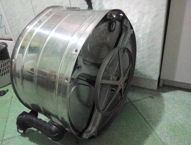 Стиральные машины с металлическим барабаном марки