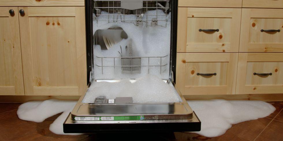 Протечка воды из посудомоечной машины