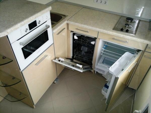Установка техники в очень маленько кухне